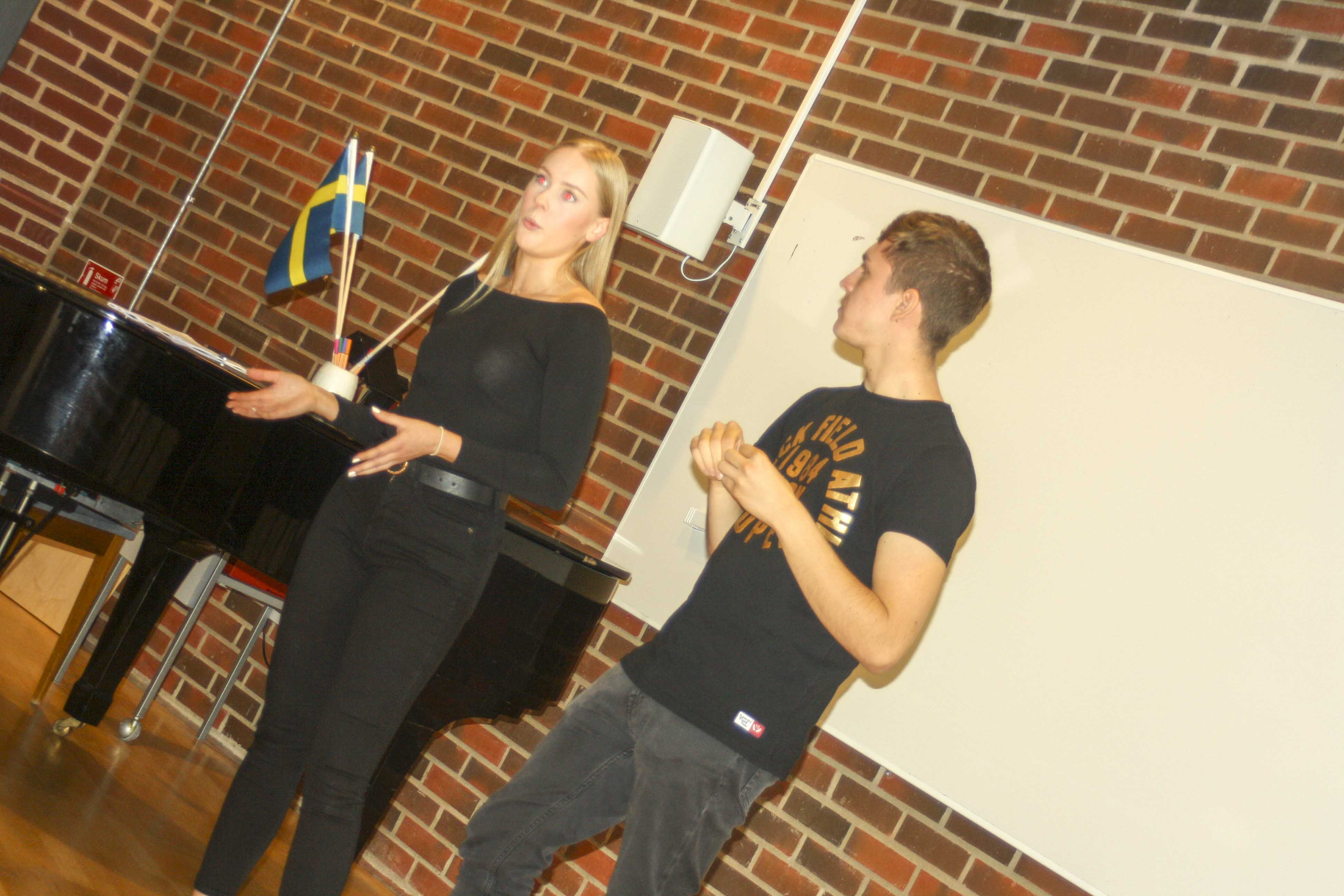 Josefine and Erik gives hints and tips.